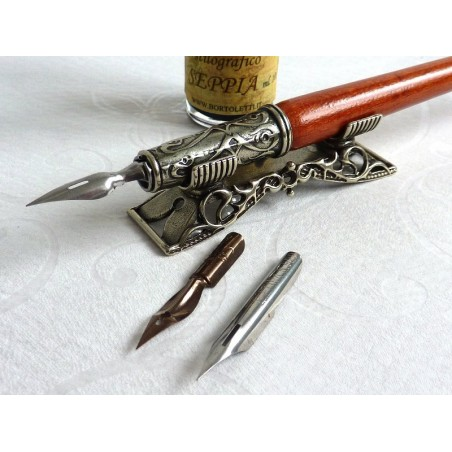 Houten kalligrafie pen, inkt en pen rust