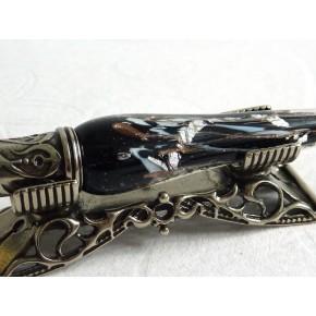 Een zilveren blad glas kalligrafiepen set met pen rust