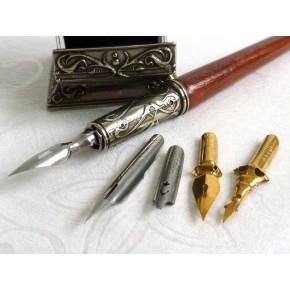 Houten kalligrafie pen en inktpot