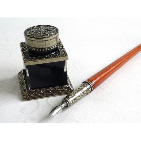 Wooden Dip Pen Inkwell & Pen Holder