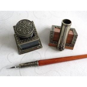 Pluma de caligrafía de madera, tintero y portaplumas