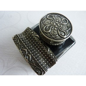 Alpaca Inkwell with Pen Rest