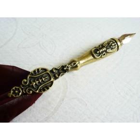 Kalligraphiestift aus brauner Feder und Zinn