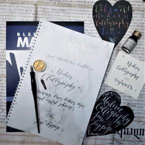 Moderni kalligrafian aloituspakkaus