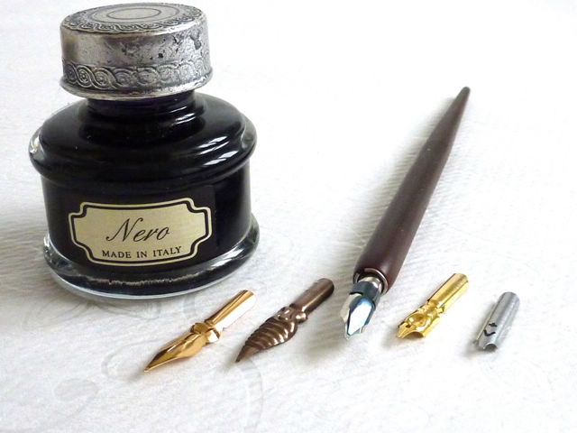Wooden Calligraphy Dip Pen, 5 nibs, Large Ink