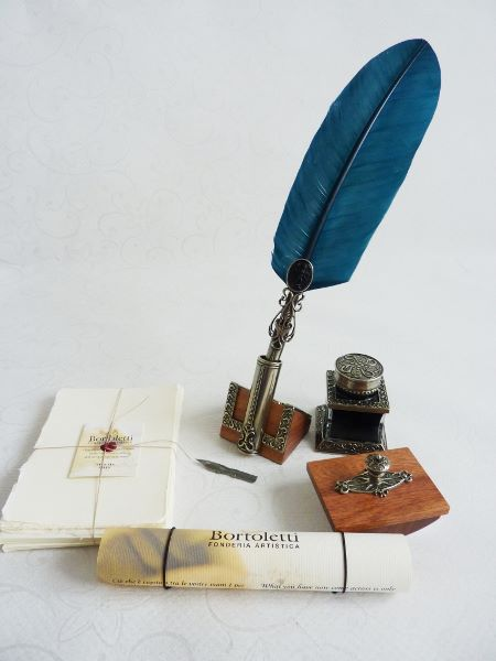 Bortoletti Feather Quill Dip Pen Stationery Set